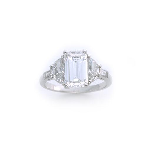 エメラルドカット ダイヤモンド リング